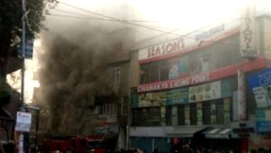 Massive fire in Solan's Mall Road, market blown up by cylinder blasts